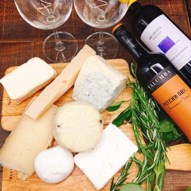 厳選された日替わりのチーズからお好きなものをお選び下さい